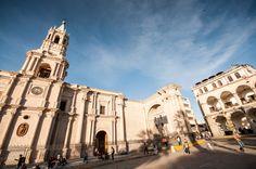 Que faire et voir à Arequipa au Pérou, la ville blanche ? Nos incontournables entre architecture, histoire et culture. Une visite surprenante