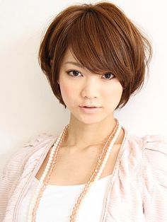 長めショート。ヘアスタイルの参考に☆大学生の髪型のカットやアレンジのアイデアまとめ。