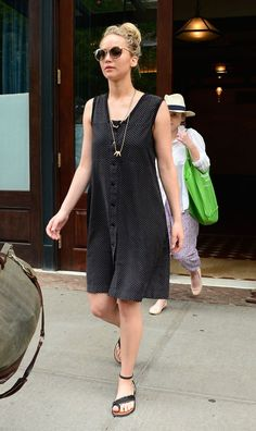 Jennifer Lawrence Street Style - Jennifer Lawrence Best Looks