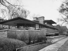 Frank Lloyd Wright – Robie House (completed 1910), Hyde Park, Chicago