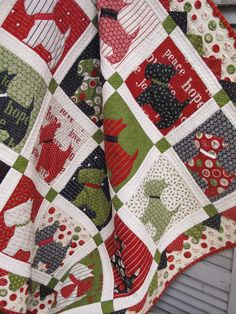 Scottie Dog Christmas quilt - could do in other colors as a baby or toddler quilt.