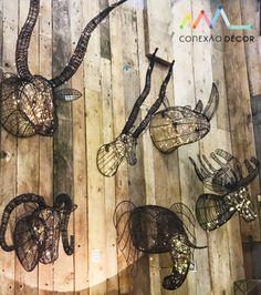 Conexão Décor cabeças de bichos iluminadas na maison&objet http://conexaodecor.com/2017/09/maisonobjet-o-paraiso-da-decoracao/