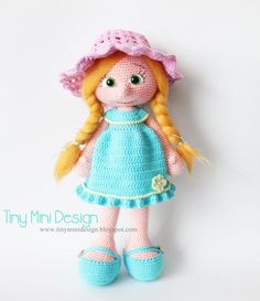 Free crochet pattern for a pretty doll with a blue dress Handmade Dolls Patterns, Crochet Dolls Free Patterns, Crochet Doll Pattern, Amigurumi Patterns, Amigurumi Doll, Handmade Toys, Doll Patterns, Amigurumi Baba, Crochet Doll Clothes
