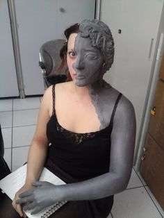 weeping angel makeup II by made-me-a-monster on deviantART. This is amazing.and terrifying. Funny Halloween Costumes, Halloween Cosplay, Halloween Make Up, Cosplay Costumes, Weeping Angel Costume, Rennaissance Art, Angel Makeup, Living Statue, Angel Sculpture