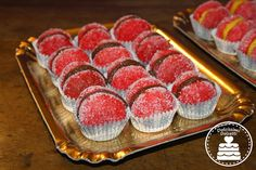 Pesche dolci Sweet Bakery, The Hobbit, Food Hacks, Finger Foods, Mousse, Raspberry, Muffin, Favorite Recipes, Meat