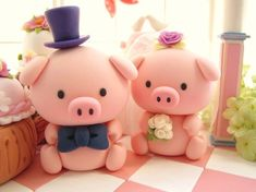 Perfect cake toppers for the PIGS!