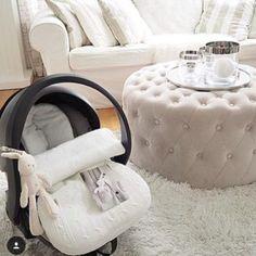 Baby's Only lämpöpussi turvakaukaloon/ vaunuihin. Tämä lämpöpussi on äitien suosikki, koska vauvaa ei tarvitse pukea ja riisua jatkuvasti päivän aikana. Vauva sujautetaan lämpöpussin sisään ja menoksi: kauppaan, kylään, koiraa ulkoiluttamaan -helppoa! Kuva: @mk_maison