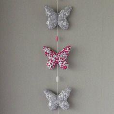 Guirlande romantique de papillons en liberty, coloris rose, rouge et gris *livraison gratuite*