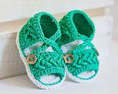 Artículos similares a Muestra de sandalias venta - Crochet botitas de bebé - Baby listos para usar (0-6 meses) en Etsy