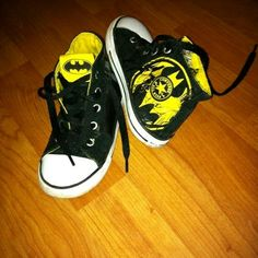 273ed86c3d31c1 Batman black and yellow Batman Converse
