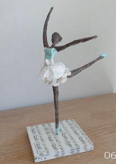 Best 12 A ballerina sculpture. Made with papier-mâché but could be tried with powertex. Paper Dolls, Art Dolls, Ceramic Sculpture Figurative, Paper Mache Sculpture, Paper Mache Crafts, Paperclay, Stick Figures, Wire Art, Art Plastique