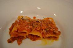 Paccheri pasta with lamb ragout - Paccheri di Gragnano con ragout di agnello - Luciano Pignataro Wineblog