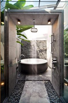 20 nature-inspired bathrooms that will refresh you Home design and interior, . - 20 nature-inspired bathrooms that will refresh you Home design and interior, - Hotel Bathroom Design, Bathroom Renovations, Modern Bathroom, Home Remodeling, Nature Bathroom, Cool Bathroom Ideas, Bathtub Ideas, Bathroom Goals, Industrial Bathroom