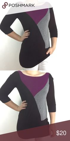 """WHBM   colorblock geometric sweater tunic Like new with no flaws! Perfect for layering!! Make an offer! Measurements: 16"""" pit to pit, 28"""" long (shoulder to hem), 11"""" sleeve (pit to wrist), 13"""" across shoulders. Size small White House Black Market Sweaters Crew & Scoop Necks"""
