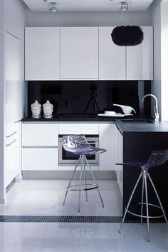 5 Prodigious Useful Ideas: Small Kitchen Remodel Gray kitchen remodel laundry rooms.Kitchen Remodel Cost Ikea Cabinets farmhouse kitchen remodel chip and joanna gaines. Small Apartment Kitchen, Home Decor Kitchen, Home Kitchens, Kitchen Ideas, Cheap Kitchen, Kitchen Layouts, Country Kitchens, Luxury Kitchens, Apartment Living