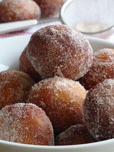 Mini beignets au Nutella (Nutella Donuts) - http://www.myliciousecrets.fr/2015/08/08/mini-beignets-au-nutella/