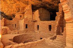Anasazi Tribe with Kiva