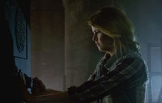 """S4 Ep8 """"Time of Death"""" - Malia picks the lock on Peter's safe."""