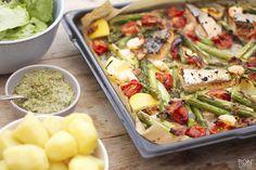 verrukkelijke vis uit de oven Pasta Salad, Cobb Salad, Salsa Verde, Jamie Oliver, Potato Salad, Oven, Potatoes, Fish, Chicken