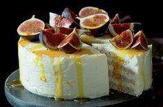Mandlový pusinkový dort s medovým mascarpone | Apetitonline.cz Celebration Cakes, Cake Recipes, Cheesecake, Gluten Free, Baking, Desserts, Eastern Europe, Sweet Stuff, Foods