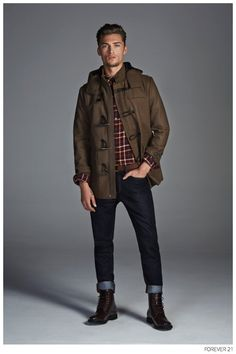 Forever 21 Fall-Forever Oxford store in London expands its offering with menswear. The menswear kickoff begins with a selection of fall 2014 pieces. Mens Fashion Shoes, Boy Fashion, Fashion Guide, Fashion Styles, Street Fashion, Winter Wear For Men, Casual Outfits, Men Casual, Casual Menswear