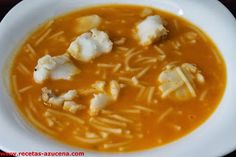 Mis Recetas: Sopa de merluza. Pescado Recipe, Spanish Kitchen, Fish Recipes, Thai Red Curry, Tapas, Seafood, Food And Drink, Ethnic Recipes, Reyes