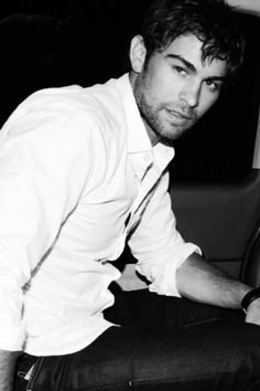 He is one if the many reasons why I love to watch Gossip Girl, besides Blake Lively Nate Gossip Girl, Estilo Gossip Girl, Gossip Girls, Nate Archibald, Beautiful Boys, Pretty Boys, Chase Crawford, Fine Men, Baby Daddy