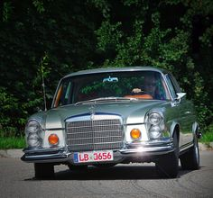 Mercedes-Benz W110, W111, and W112 series Club - Mercedes-Benz W111 280SE 3.5 Coupe with big V8 from W220 S-Class - Drive