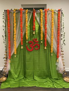 Simple Birthday Decorations, Housewarming Decorations, Diy Diwali Decorations, Wedding Stage Decorations, Festival Decorations, Diy Backdrop, Backdrop Decorations, Flower Decorations, Ganpati Decoration Design