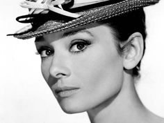 Audrey Hepburn actress and humanitarian Audrey Hepburn Hut, Audrey Hepburn Photos, Audrey Hepburn Wallpaper, Divas, Katharine Ross, My Sun And Stars, Style Retro, Vintage Style, Beauty