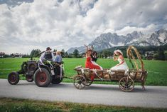 Hochzeitsdienstleister Österreich | Zauberhafte Hochzeiten Bride Groom, Child Care, Perfect Wedding, Newlyweds, Wedding Photography