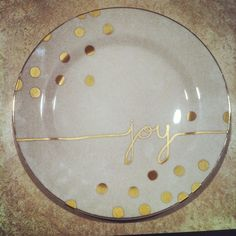 Kate spade Inspired #DIY Holiday Plate. Dollar store plate + sharpie. Bake in