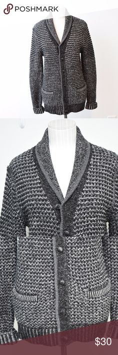 """Rag & Bone Neiman Marcus Crawl Cardigan Woo lBlend Rag & Bone Neiman Marcus Target Men's Wool Blend Cardigan, Mens Small.  Buttons and pockets on the front, some very light pilling.  No holes or tears.    Armpit to armpit - 17.5"""" (35"""") Armpit to bottom of sleeve -20""""  Back collar to bottom of sweater - 26"""" rag & bone Sweaters Cardigan"""
