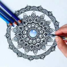 Inspiration shared by ré❈ on We Heart It Doodle Art Designs, Mandala Tattoo, Art Drawings, Mandala, Mandala Design Art, Art, Design Art, Art Sketches, Art Journal