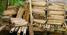 bamboo shingles as one of the materials commonly used for houses Filipino Architecture, Bamboo, Houses, Texture, Wood, Crafts, Homes, Surface Finish, Manualidades