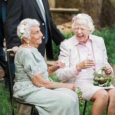 Grandma Flower Crowns Simple Flower Crown, White Flower Crown, Simple Flowers, Floral Crown, White Flowers, Wedding Looks, Bridal Looks, Bridal Hairdo, Wax Flowers