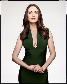 Alison Brie green dress plunge