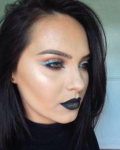"""⚫️Black&Blue (ABH kind of day) •lips- @anastasiabeverlyhills liquid lipstick #midnight with a tiny bit of illuminator on the centre. •skin-…"""