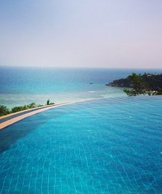10 stunning pools to fuel your vacation fever