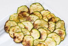 #Naschen mit gutem #Gewissen? Leckere #ZucchiniChips sind da die richtige Wahl! Der #LowCarb #Snack ist schnell und super einfach zubereitet.