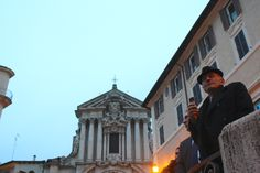 Even the most unsuspecting characters can't resist snapping a photo of the Trevi #roma