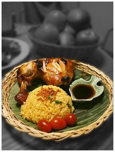 Chicken Inasal means grilled or barbecued chicken, this dish originated in Negros Occidental and very popular all over the Philippines. Filipino Recipes, Asian Recipes, Filipino Dishes, Filipino Food, Meat Recipes, Chicken Recipes, Cooking Recipes, Philippine Cuisine, Pinoy Food