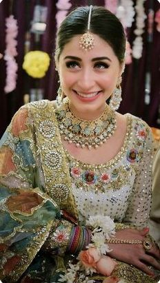 Pakistani Bridal Makeup Indian Style Ideas For 2019 Pakistani Bridal Makeup, Bridal Mehndi Dresses, Pakistani Wedding Outfits, Indian Bridal Wear, Pakistani Wedding Dresses, Pakistani Dress Design, Bridal Outfits, Bridal Lehenga, Lehenga Choli