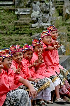 Bali  people ❀  Bali Floating Leaf Eco-Retreat ❀ http://balifloatingleaf.com ❀