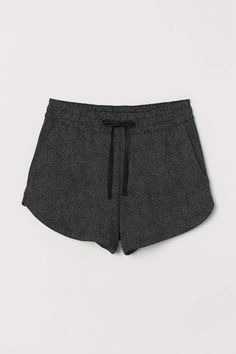 Short shorts in lightweight sweatshirt fabric with an elasticated, drawstring jersey waistband, side pockets and rounded hems. Shorts Outfits Women, Nike Outfits, Short Outfits, Cool Outfits, Summer Outfits, Short Dresses, Athletic Outfits, Summer Shorts, Fashion Art