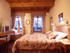 Penzion Telč No. 20 Telč This charming guest house is set in a historic building from the 13th century in the UNESCO protected Old Town of Telc. It offers comfortably furnished rooms with free WiFi.  Hotel-Penzion Telc No. 20 features bright rooms with a relaxed atmosphere.