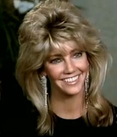 Sammy Jo (Heather Locklear) I hate the word mullet. I love her hair. Feathered Bangs, Feathered Hairstyles, Long Hair Cuts, Long Hair Styles, Donna Mills, Heather Locklear, 70s Hair, Shag Hairstyles, Haircuts