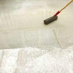8 Easy and Affordable Garage Floor Options - Painted Floor Tile Painted Concrete Floors, Painting Concrete, Stained Concrete, Garage Flooring Options, Basement Flooring, Flooring Ideas, Garage Floor Epoxy, Garage Walls, Paint Garage Floors