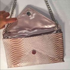 Jessica McClintok Snake Skin Envelope Bag Gorgeous beyond words, Jessica McClintock Snakeskin Envelope clutch. This was worn once for a special occasion. Comes from a smoke free - pet free home. Jessica McClintock Bags Clutches & Wristlets