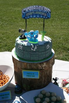 Skylanders party Abbi get ready for one of the boys to want this party. Here's a cake you can make..by yourself..lol